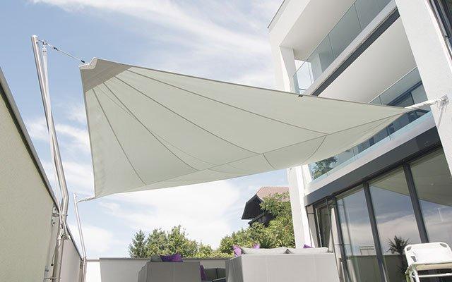 Soliday C Sonnensegel auf einer Terrasse
