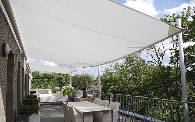 Soliday CS Sonnensegel auf einer Terrasse