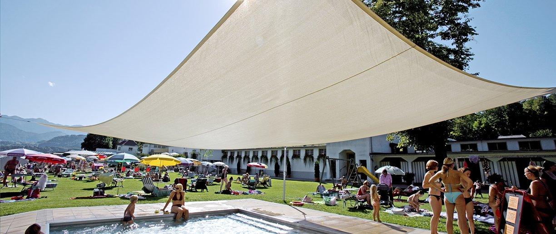 Soliday Sonnensegel im Poolbereich